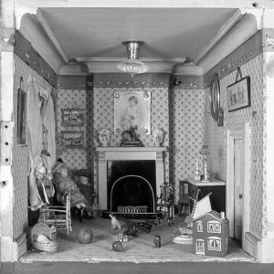2006am1951_amy_miless_dolls_house_room (2)